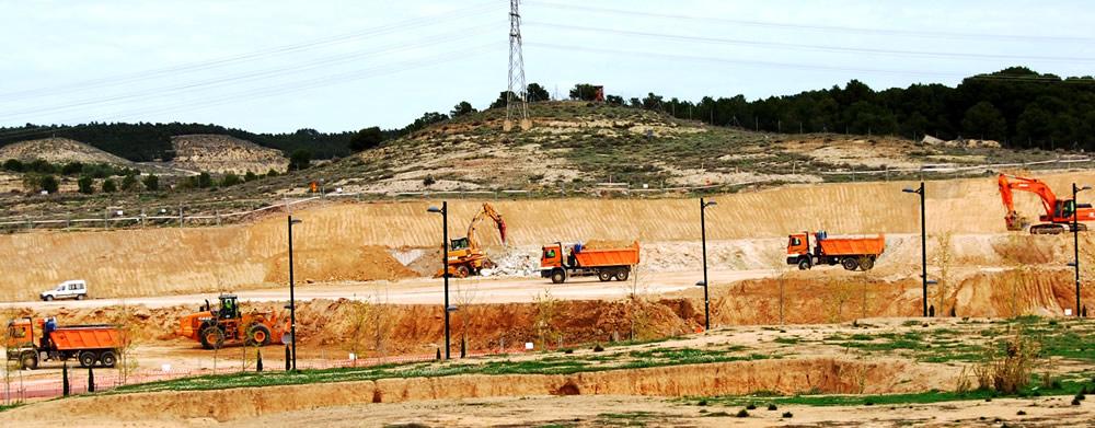 movimiento de tierras en parcela destinada a cocheras del tranvía de Zaragoza