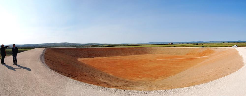 balsa de agua potable en Plenas